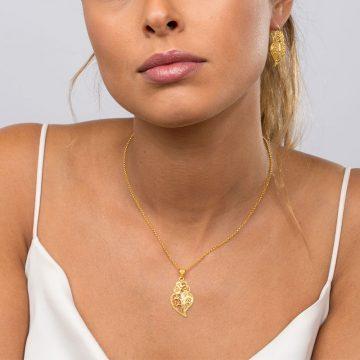 pendente coracao half in gold filigrana ouro joias sui jewellery pendant tradicional portuguese heart filigree ines Barbosa